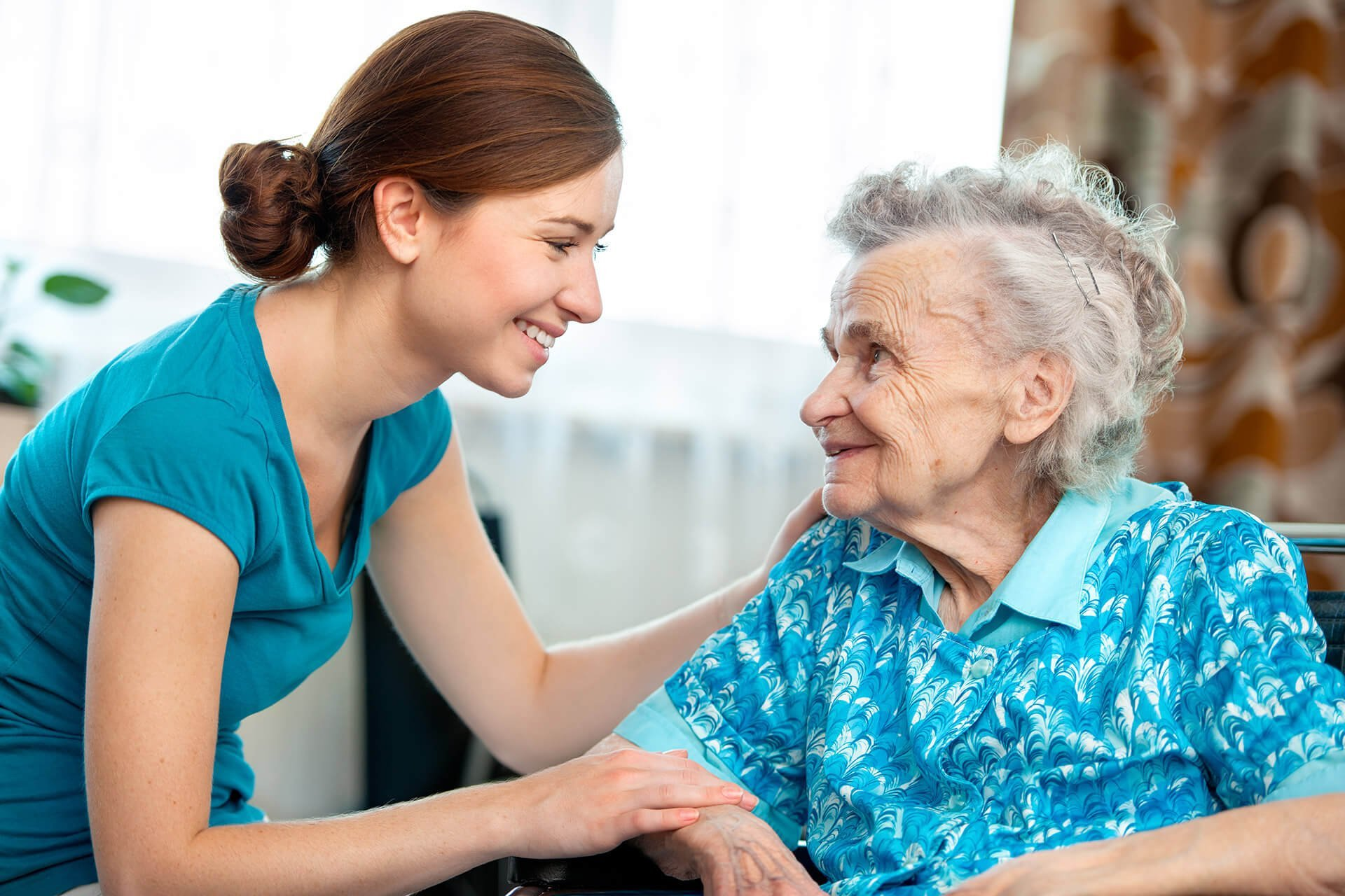 Elderly lady with Horizon Live-in carer